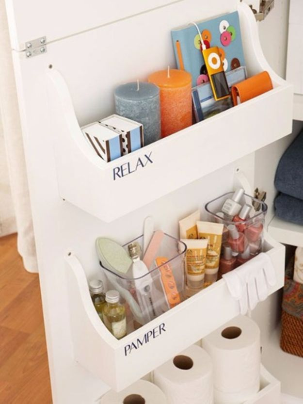 DIY Bathroom Storage Ideas - Cabinet Door Storage - Best Solutions for Under Sink Organization, Countertop Jars and Boxes, Counter Caddy With Mason Jars, Over Toilet Ideas and Shelves, Easy Tips and Tricks for Small Spaces To Organize Bath Products http://diyjoy.com/diy-bathroom-storage-ideas