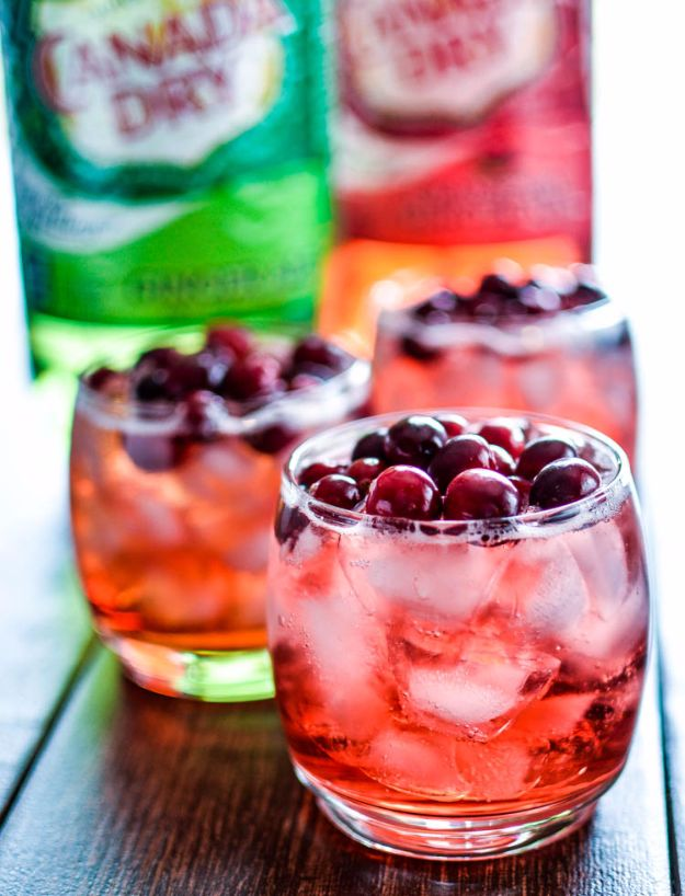 Best Drink Recipes for New Years Eve - Cinnamon and Cranberry Bourbon Spritzers - Creative Cocktails, Drinks, Champagne Toasts, and Punch Mixes for A New Year's Eve Party - Ideas for Serving, Glasses, Fun Ideas for Shots and Cocktails - Easy Vodka Recipes, Non Alcoholic, Whisky Rum and Party Punches #newyearseve