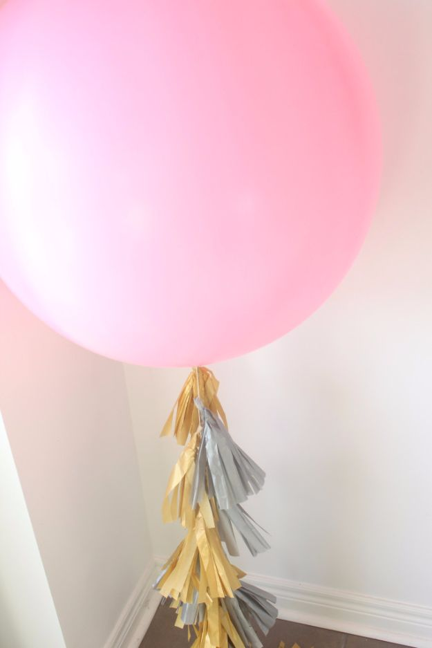 Balloon Crafts - DIY Balloon Tassels - Fun Balloon Craft Ideas, Wall Art Projects and Cute Ballon Decor - DIY Balloon Ideas for Toddlers, Preschool Kids, Teens and Adults - Cheap Crafts Made With Balloons - Pumpkins, Bowls, Marshmallow Shooters, Balls, Glow Stick, Hot Air, Stress Ball http://diyjoy.com/balloon-crafts