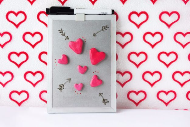 DIY Valentines Day Gifts for Her - DIY Heart Magnets - Cool and Easy Things To Make for Your Wife, Girlfriend, Fiance - Creative and Cheap Do It Yourself Projects to Give Your Girl - Ladies Love These Ideas for Bath, Yard, Home and Kitchen, Outdoors - Make, Don't Buy Your Valentine http://diyjoy.com/diy-valentines-gifts-her