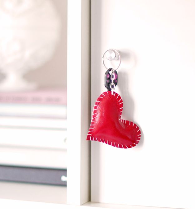 Easy DIY Valentines Day Gifts for Her - DIY Leather Heart Key Ring- Cool and Inexpensive Things To Make for Your Wife, Girlfriend, Fiance - Creative and Cheap Do It Yourself Projects to Give Your Girl