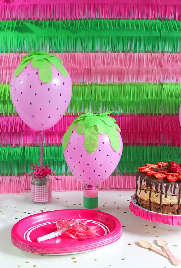 Balloon Crafts - DIY Strawberry Balloons - Fun Balloon Craft Ideas, Wall Art Projects and Cute Ballon Decor - DIY Balloon Ideas for Toddlers, Preschool Kids, Teens and Adults - Cheap Crafts Made With Balloons - Pumpkins, Bowls, Marshmallow Shooters, Balls, Glow Stick, Hot Air, Stress Ball http://diyjoy.com/balloon-crafts
