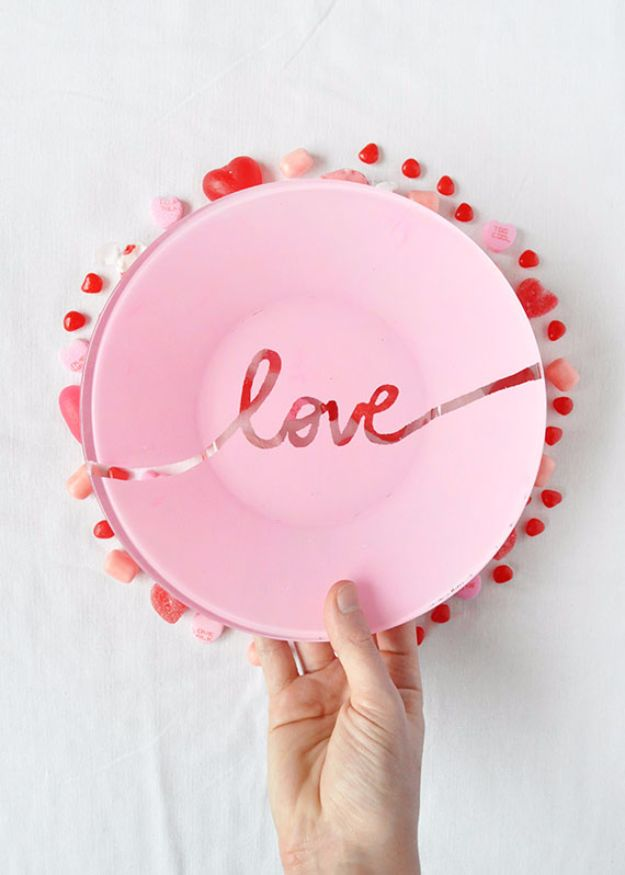 DIY Valentines Day Gifts for Her - DIY Valentine's Day Plate - Cool and Easy Things To Make for Your Wife, Girlfriend, Fiance - Creative and Cheap Do It Yourself Projects to Give Your Girl - Ladies Love These Ideas for Bath, Yard, Home and Kitchen, Outdoors - Make, Don't Buy Your Valentine http://diyjoy.com/diy-valentines-gifts-her