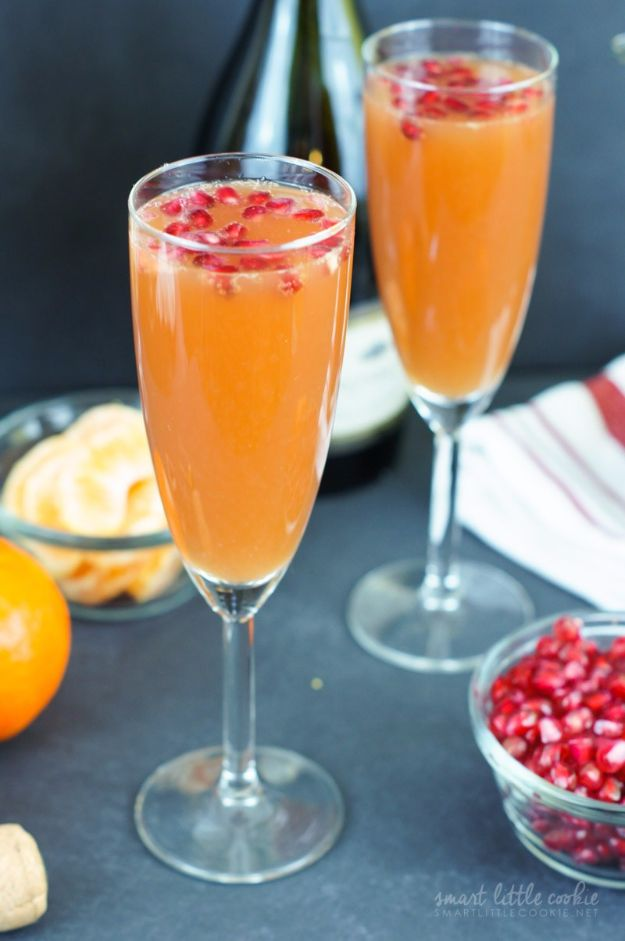 Best Drink Recipes for New Years Eve - Easy Tangerine Pomegranate Mimosas - Creative Cocktails, Drinks, Champagne Toasts, and Punch Mixes for A New Year's Eve Party - Ideas for Serving, Glasses, Fun Ideas for Shots and Cocktails - Easy Vodka Recipes, Non Alcoholic, Whisky Rum and Party Punches #newyearseve