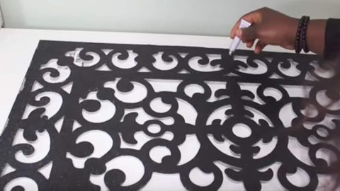 You Won't Believe The Amazing Home Decor Item She Makes With A Rubber Door Mat. Watch!   DIY Joy Projects and Crafts Ideas