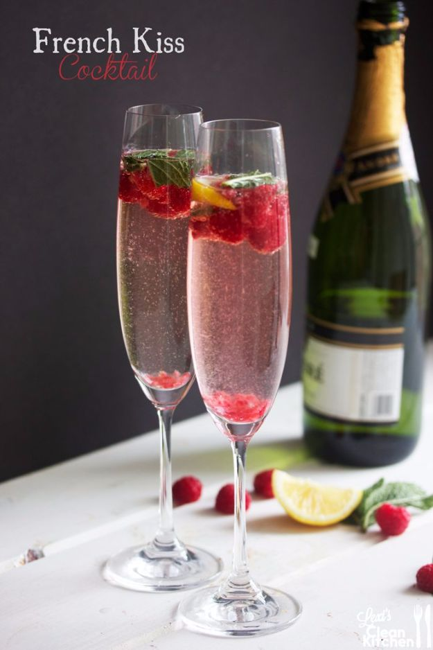 Best Drink Recipes for New Years Eve - French Kiss Cocktail - Creative Cocktails, Drinks, Champagne Toasts, and Punch Mixes for A New Year's Eve Party - Ideas for Serving, Glasses, Fun Ideas for Shots and Cocktails - Easy Vodka Recipes, Non Alcoholic, Whisky Rum and Party Punches #newyearseve