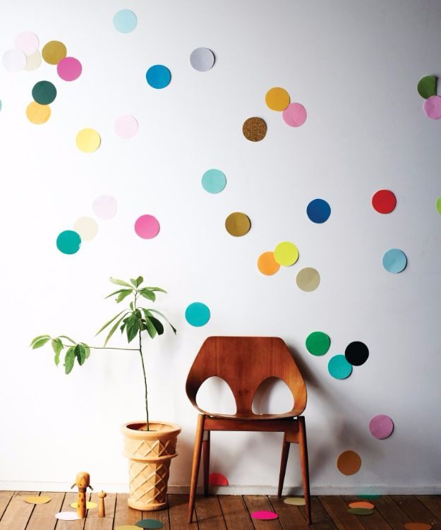 New Years Eve Decor Ideas - Giant Confetti Wall - DIY New Year's Eve Decorations - Cheap Ideas for Banners, Balloons, Party Tables, Centerpieces and Festive Streamers and Lights - Cool Placecards, Photo Backdrops, Party Hats, Party Horns and Champagne Glasses - Cute Invitations, Games and Free Printables http://diyjoy.com/new-years-eve-decor-ideas