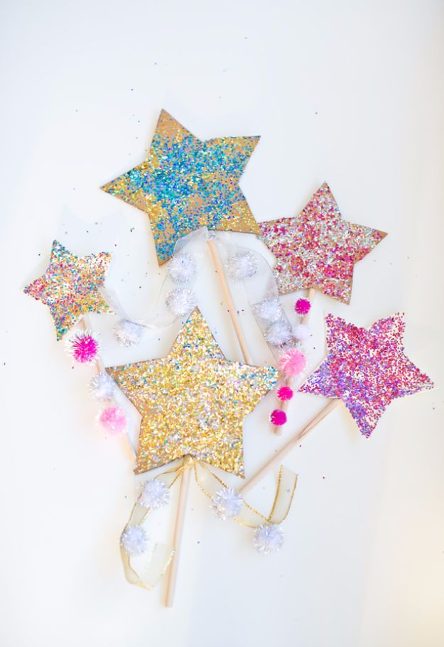New Years Eve Decor Ideas - Glitter Star Wands - DIY New Year's Eve Decorations - Cheap Ideas for Banners, Balloons, Party Tables, Centerpieces and Festive Streamers and Lights - Cool Placecards, Photo Backdrops, Party Hats, Party Horns and Champagne Glasses - Cute Invitations, Games and Free Printables #diy #newyearseve #parties