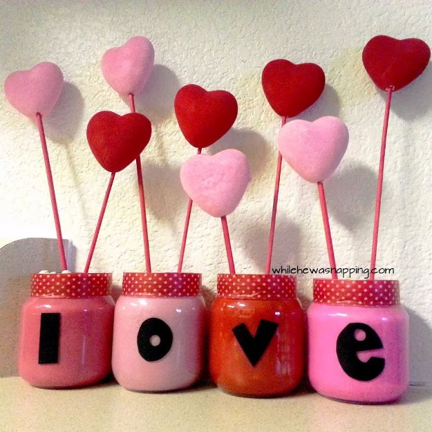 DIY Valentines Day Gifts for Her - LOVE Garden - Cool and Easy Things To Make for Your Wife, Girlfriend, Fiance - Creative and Cheap Do It Yourself Projects to Give Your Girl - Ladies Love These Ideas for Bath, Yard, Home and Kitchen, Outdoors - Make, Don't Buy Your Valentine