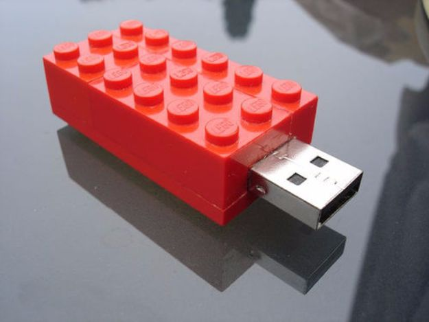 DIY Valentines Day Gifts for Him - Lego USB Stick - Cool and Easy Things To Make for Your Husband, Boyfriend, Fiance - Creative and Cheap Do It Yourself Projects to Give Your Man - Ideas Guys Love These Ideas for Car, Yard, Home and Garage - Make, Don't Buy Your Valentine