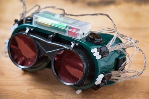 DIY Gadgets - Make Cheap Thermal Goggles - Homemade Gadget Ideas and Projects for Men, Women, Teens and Kids - Steampunk Inventions, How To Build Easy Electronics, Cool Spy Gear and Do It Yourself Tech Toys #gadgets #diy #stem #diytoys