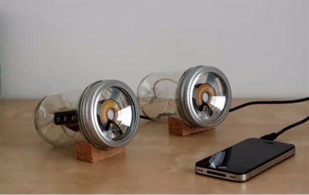 DIY Gadgets - Mason Jar Speakers - Homemade Gadget Ideas and Projects for Men, Women, Teens and Kids - Steampunk Inventions, How To Build Easy Electronics, Cool Spy Gear and Do It Yourself Tech Toys http://diyjoy.com/diy-gadgets