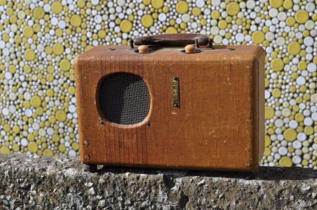 DIY Gadgets - Modern Bluetooth Speaker From An Antique Portable Radio - Homemade Gadget Ideas and Projects for Men, Women, Teens and Kids - Steampunk Inventions, How To Build Easy Electronics, Cool Spy Gear and Do It Yourself Tech Toys #gadgets #diy #stem #diytoys