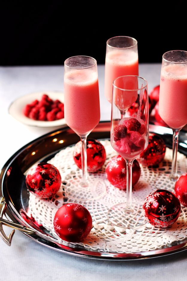 Best Drink Recipes for New Years Eve - Raspberry Cream Mimosa - Creative Cocktails, Drinks, Champagne Toasts, and Punch Mixes for A New Year's Eve Party - Ideas for Serving, Glasses, Fun Ideas for Shots and Cocktails - Easy Vodka Recipes, Non Alcoholic, Whisky Rum and Party Punches #newyearseve