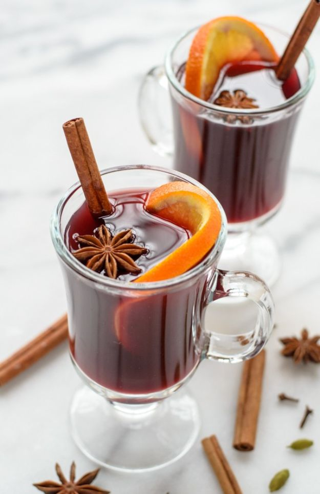 Best Drink Recipes for New Years Eve - Slow Cooker Spiced Wine - Creative Cocktails, Drinks, Champagne Toasts, and Punch Mixes for A New Year's Eve Party - Ideas for Serving, Glasses, Fun Ideas for Shots and Cocktails - Easy Vodka Recipes, Non Alcoholic, Whisky Rum and Party Punches #newyearseve