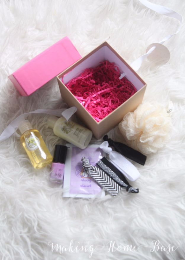 DIY Valentines Day Gifts for Her - Spa Day In A Box - Cool and Easy Things To Make for Your Wife, Girlfriend, Fiance - Creative and Cheap Do It Yourself Projects to Give Your Girl - Ladies Love These Ideas for Bath, Yard, Home and Kitchen, Outdoors - Make, Don't Buy Your Valentine http://diyjoy.com/diy-valentines-gifts-her