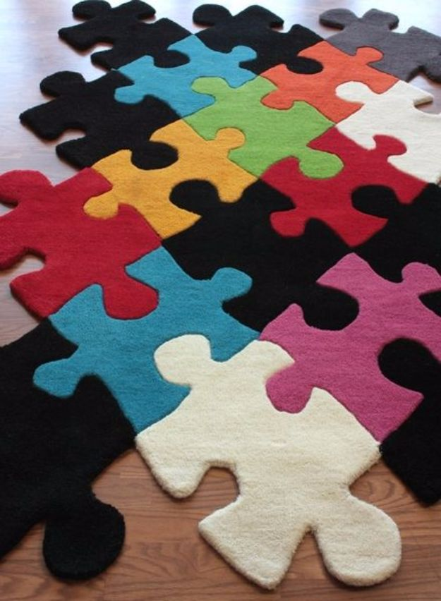 DIY Ideas With Carpet Scraps - Stylish Puzzle Rug - Cool Crafts To Make With Old Carpet Remnants - Cheap Do It Yourself Gifts and Home Decor on A Budget - Creative But Cheap Ideas for Decorating Your House and Room - Painted, No Sew and Creative Arts and Craft Projects http://diyjoy.com/diy-ideas-carpet-scraps