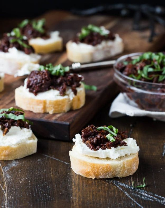 Easy New Years Eve Party Recipes - Sun Dried Tomato And Kalamata Olive Bruschetta - Quick Recipe for Appetizer