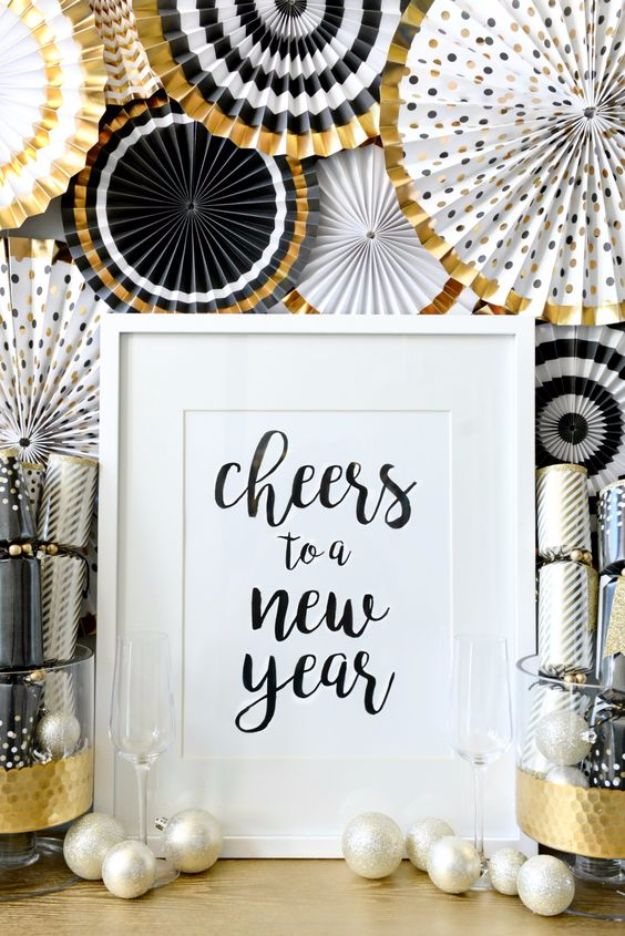 New Years Eve Decor Ideas - Transition Christmas Decors TO New Years - DIY New Year's Eve Decorations - Cheap Ideas for Banners, Balloons, Party Tables, Centerpieces and Festive Streamers and Lights - Cool Placecards, Photo Backdrops, Party Hats, Party Horns and Champagne Glasses - Cute Invitations, Games and Free Printables http://diyjoy.com/new-years-eve-decor-ideas