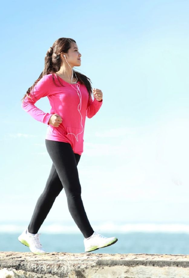 Best Exercises for 2018 - Walking Routine To Lose Weight - Easy At Home Exercises - Quick Exercise Tutorials to Try at Lunch Break - Ways To Get In Shape - Butt, Abs, Arms, Legs, Thighs, Tummy http://diyjoy.com/best-at-home-exercises-2018