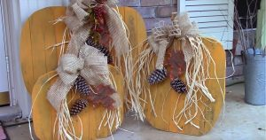 Turn Pallets into Pumpkins for The Porch With This DIY