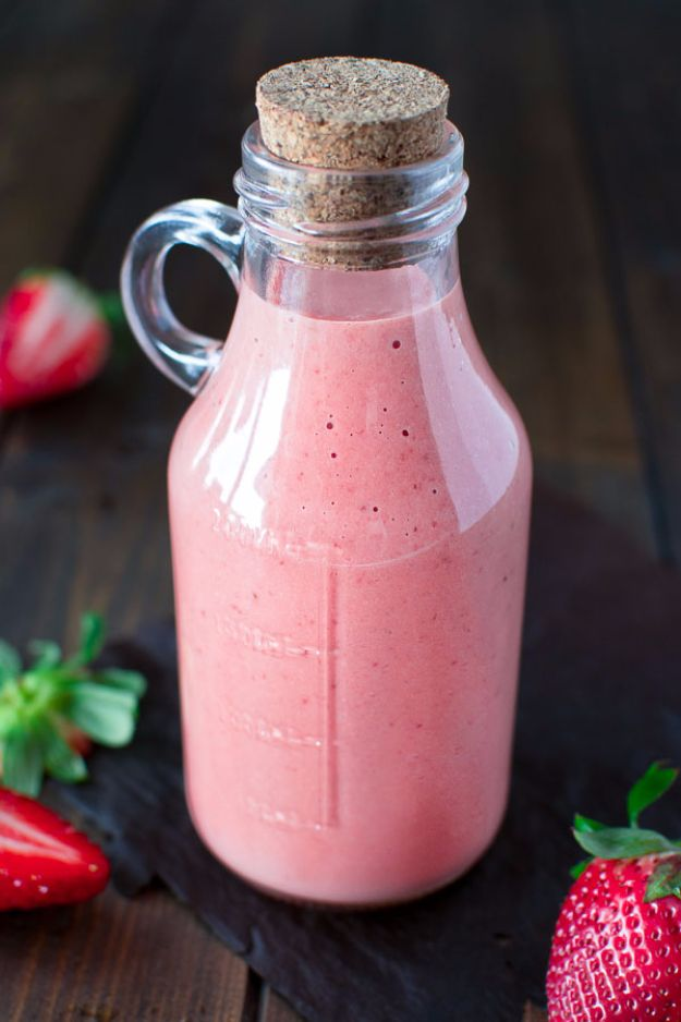 Salad Dressing Recipes - Best Strawberry Dressing - Healthy, Low Calorie and Easy Recipes for Creamy Homeade Dressings - How To Make Vinaigrette, Mango, Greek, Paleo, Balsamic, Ranch, and Italian Copycat Dressings http://diyjoy.com/best-salad-dressing-recipes