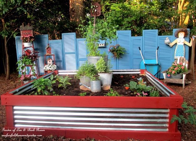 DIY Garden Beds - Corrugated Metal Garden Bed - Easy Gardening Ideas for Raised Beds and Planter Boxes - Free Plans, Tutorials and Step by Step Tutorials for Building and Landscaping Projects - Update Your Backyard and Gardens With These Cheap Do It Yourself Ideas http://diyjoy.com/diy-garden-beds