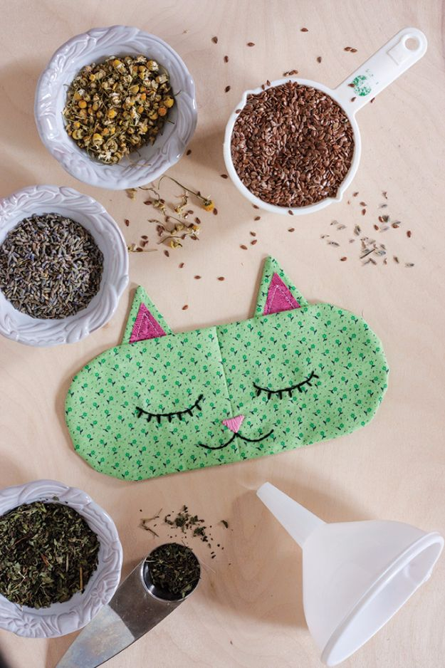 DIY Sleep Masks - DIY Aromatherapy Cat Nap Eye Pillows - Cute and Easy Ideas for Making a Homemade Sleep Mask - Best DIY Gift Ideas for Her - Cool Crafts To Make and Sell On Etsy - Creative Presents for Girls, Women and Teens - Do It Yourself Sleeping With Words, Accents and Fun Accessories for Relaxing http://diyjoy.com/diy-sleep-masks
