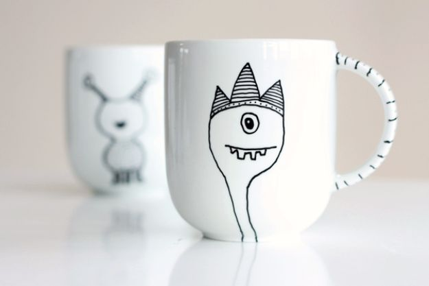 DIY Coffee Mugs - Decorate a Coffee Mug Using a Porcelain Marker - Easy Coffee Mug Ideas for Homemade Gifts and Crafts - Decorate Your Coffee Cups and Tumblers With These Cool Art Ideas - Glitter, Paint, Sharpie Craft, Nail Polish Water Marble and Teen Projects #diygifts #easydiy