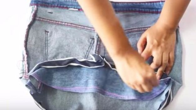 Clothes Hacks - Denim Bucket Bag - DIY Fashion Ideas For Women and For Every Girl - Easy No Sew Hacks for Men's Shirts - Washing Machines Tips For Teens - How To Make Jeans For Fat People - Storage Tips and Videos for Room Decor http://diyjoy.com/diy-clothes-hacks