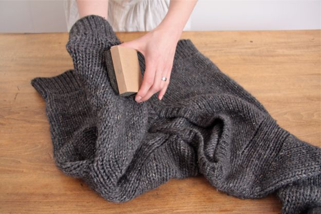 Clothes Hacks - Get Rid Of Lint Balls - DIY Fashion Ideas For Women and For Every Girl - Easy No Sew Hacks for Men's Shirts - Washing Machines Tips For Teens - How To Make Jeans For Fat People - Storage Tips and Videos for Room Decor http://diyjoy.com/diy-clothes-hacks