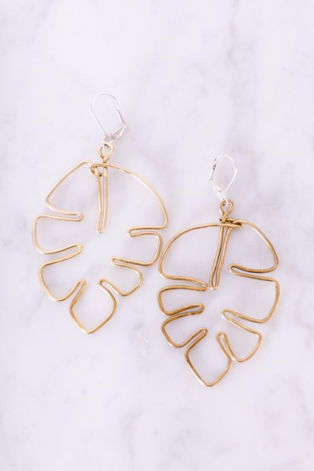 DIY Fashion for Spring - Leaf DIY Earrings - Easy Homemade Clothing Tutorials and Things To Make To Wear - Cute Patterns and Projects for Women to Make, T-Shirts, Skirts, Dresses, Shorts and Ideas for Jeans and Pants - Tops, Tanks and Tees With Free Tutorial Ideas and Instructions http://diyjoy.com/fashion-for-spring