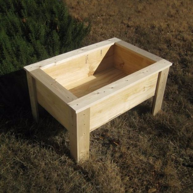 DIY Garden Beds - Raised Bed With Legs - Easy Gardening Ideas for Raised Beds and Planter Boxes - Free Plans, Tutorials and Step by Step Tutorials for Building and Landscaping Projects - Update Your Backyard and Gardens With These Cheap Do It Yourself Ideas http://diyjoy.com/diy-garden-beds