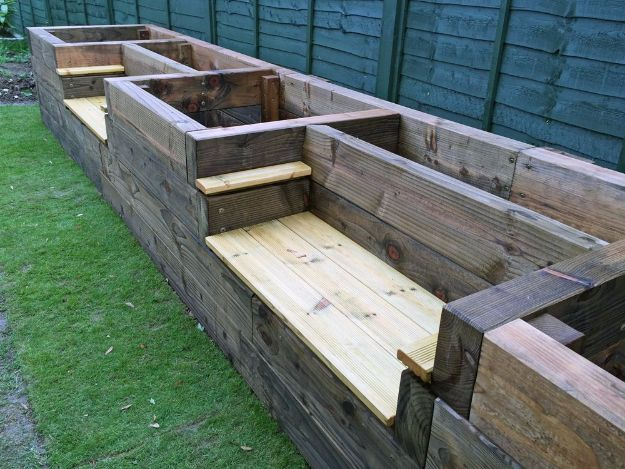 DIY Garden Beds - Raised Garden Bed Benches - Easy Gardening Ideas for Raised Beds and Planter Boxes - Free Plans, Tutorials and Step by Step Tutorials for Building and Landscaping Projects - Update Your Backyard and Gardens With These Cheap Do It Yourself Ideas http://diyjoy.com/diy-garden-beds