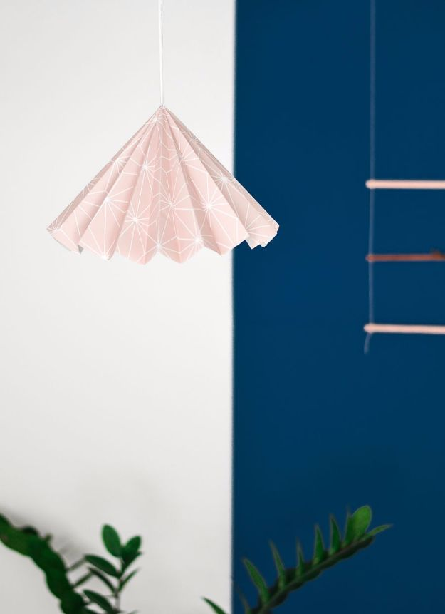 DIY Ideas for Wallpaper Scraps - Turn Wallpaper Into A Design Lampshade - Cute Projects and Easy DIY Gift Ideas to Make With Leftover Wall Paper - Fun Home Decor, Homemade Wall Art Idea Tutorials, Creative Ways to Use Old Wallpapers - Cool Crafts for Men, Women and Teens http://diyjoy.com/diy-ideas-wallpaper-scraps