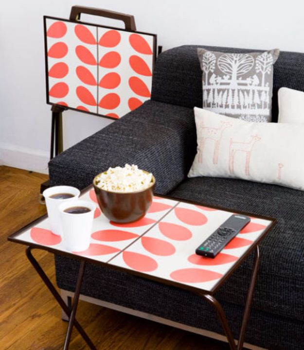 DIY Ideas for Wallpaper Scraps - Wallpaper Tray - Cute Projects and Easy DIY Gift Ideas to Make With Leftover Wall Paper - Fun Home Decor, Homemade Wall Art Idea Tutorials, Creative Ways to Use Old Wallpapers - Cool Crafts for Men, Women and Teens http://diyjoy.com/diy-ideas-wallpaper-scraps