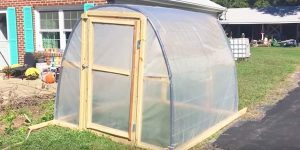 He Builds An Easy And Cost Effective Greenhouse Before The Cold Weather Arrives