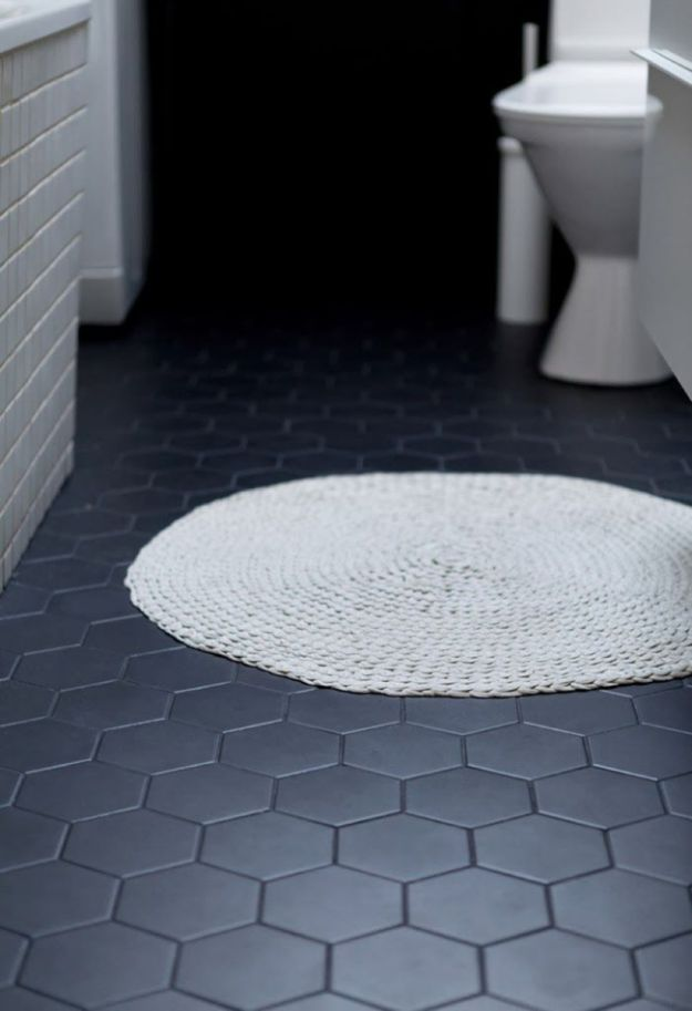 DIY Flooring Projects - Black Bathroom Floor Tiles - Cheap Floor Ideas for Those On A Budget - Inexpensive Ways To Refinish Floors With Concrete, Laminate, Plywood, Peel and Stick Tile, Wood, Vinyl - Easy Project Plans and Unique Creative Tutorials for Cool Do It Yourself Home Decor #diy #flooring #homeimprovement