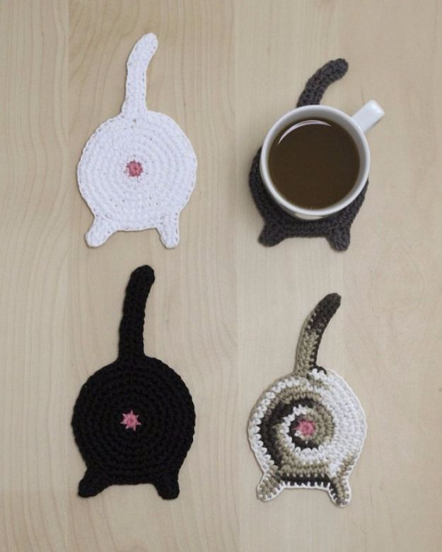 DIY Ideas With Cats - Cat Butt Coasters - Cute and Easy DIY Projects for Cat Lovers - Wall and Home Decor Projects, Things To Make and Sell on Etsy - Quick Gifts to Make for Friends Who Have Kittens and Kitties - Homemade No Sew Projects- Fun Jewelry, Cool Clothes, Pillows and Kitty Accessories http://diyjoy.com/diy-ideas-cats