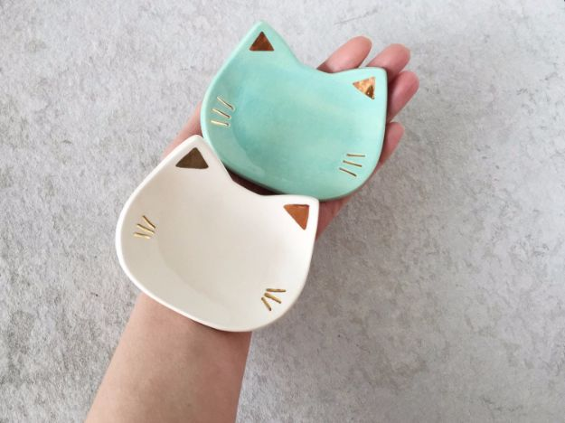 DIY Ideas With Cats - Cat Ceramic Dish - Cute and Easy DIY Projects for Cat Lovers - Wall and Home Decor Projects, Things To Make and Sell on Etsy - Quick Gifts to Make for Friends Who Have Kittens and Kitties - Homemade No Sew Projects- Fun Jewelry, Cool Clothes, Pillows and Kitty Accessories http://diyjoy.com/diy-ideas-cats