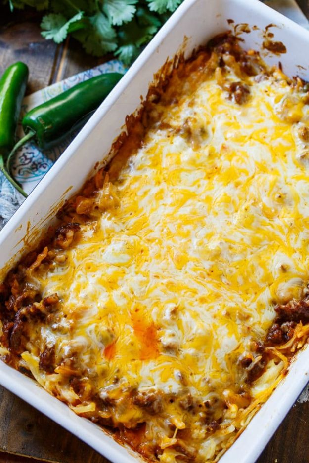 Best Brunch Recipes - Chorizo Hash Brown Casserole - Eggs, Pancakes, Waffles, Casseroles, Vegetable Dishes and Side, Potato Recipe Ideas for Brunches - Serve A Crowd and Family with the versions of Eggs Benedict, Mimosas, Muffins and Pastries, Desserts - Make Ahead , Slow Cooler and Healthy Casserole Recipes #brunch #breakfast #recipes