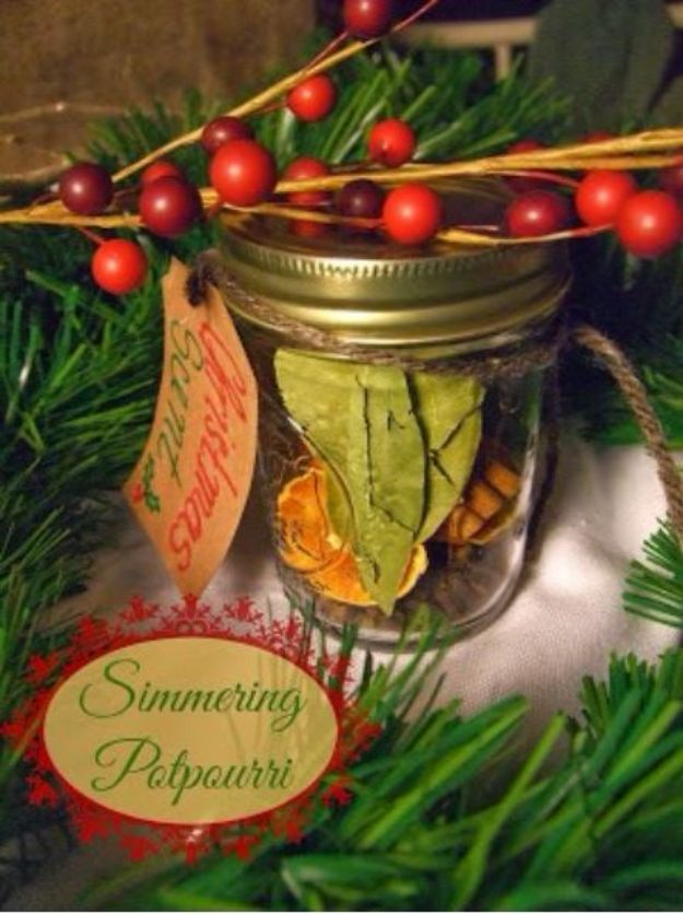 DIY Home Fragrance Ideas - Christmas Scent Simmering Potpourri - Easy Ways To Make your House and Home Smell Good - Essential Oils, Diffusers, DIY Lampe Berger Oil, Candles, Room Scents and Homemade Recipes for Odor Removal - Relaxing Lavender, Fresh Clean Smells, Lemon, Herb http://diyjoy.com/diy-home-fragrance-ideas