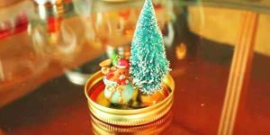 She Glues A Small Tree And Ornament to A Mason Jar Lid And Watch What She Does Next!