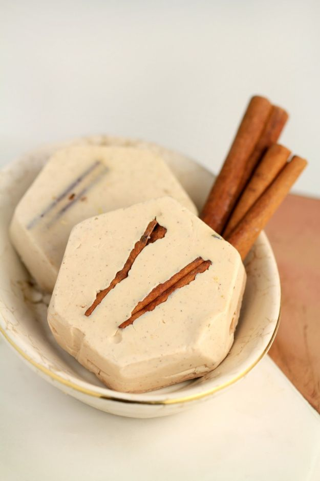 DIY Soap Recipes - Cinnamon Shea Butter Soap - Melt and Pour, Homemade Recipe Without Lye - Natural Soap crafts for Kids - Shea Butter, Essential Oils, Easy Ides With 3 Ingredients - soap recipes with step by step tutorials #soap #diygifts