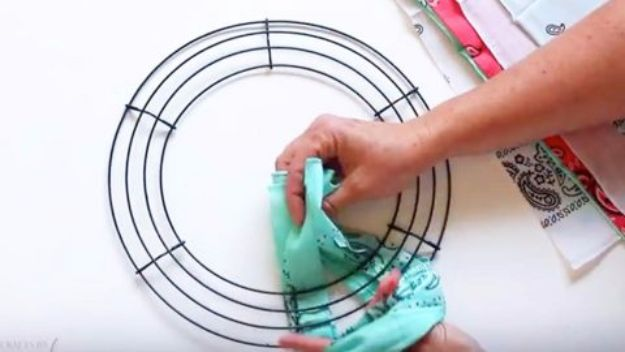 DIY Ideas With Bandanas - Cool Bandana Wreath - Bandana Crafts and Decor Projects Made With A Bandana - No Sew Ideas, Bags, Bracelets, Hats, Halter Tops, Blankets and Quilts, Headbands, Simple Craft Project Tutorials for Kids and Teens - Home Decoration and Country Themed Crafts To Make and Sell On Etsy http://diyjoy.com/diy-ideas-bandanas