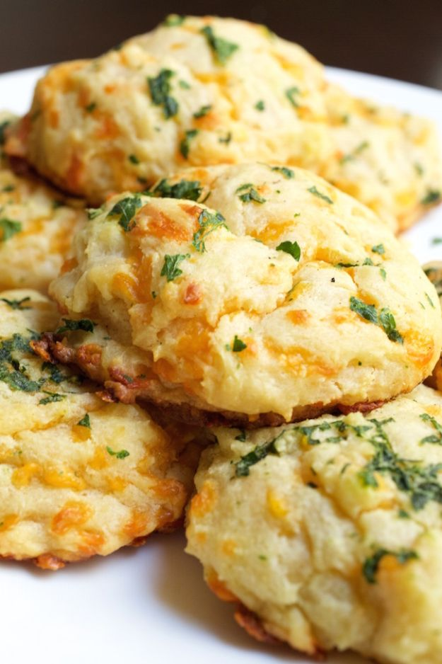 Best Dinner Party Ideas - Copycat Red Lobster Cheddar Bay Biscuits - Best Recipes for Foods to Serve, Casseroles, Finger Foods, Desserts and Appetizers- Place Settings and Cards, Centerpieces, Table Decor and Recipe Ideas for Supper Clubs and Dinner Parties http://diyjoy.com/best-dinner-party-ideas