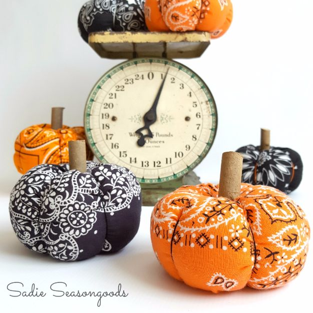 DIY Ideas With Bandanas - Country Bumpkin Halloween Bandana Pumpkin - Bandana Crafts and Decor Projects Made With A Bandana - No Sew Ideas, Bags, Bracelets, Hats, Halter Tops, Blankets and Quilts, Headbands, Simple Craft Project Tutorials for Kids and Teens - Home Decoration and Country Themed Crafts To Make and Sell On Etsy #crafts #country #diy