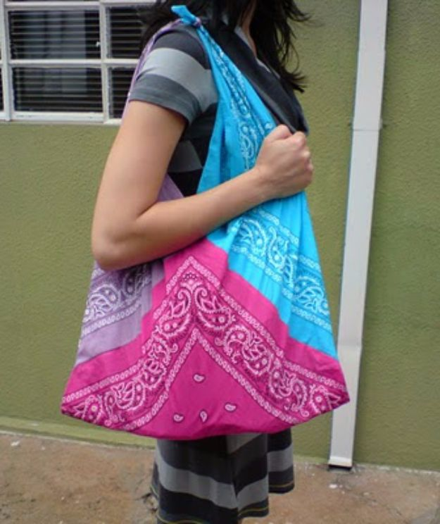 DIY Ideas With Bandanas - Cute Bandana Bag - Bandana Crafts and Decor Projects Made With A Bandana - No Sew Ideas, Bags, Bracelets, Hats, Halter Tops, Blankets and Quilts, Headbands, Simple Craft Project Tutorials for Kids and Teens - Home Decoration and Country Themed Crafts To Make and Sell On Etsy http://diyjoy.com/diy-ideas-bandanas