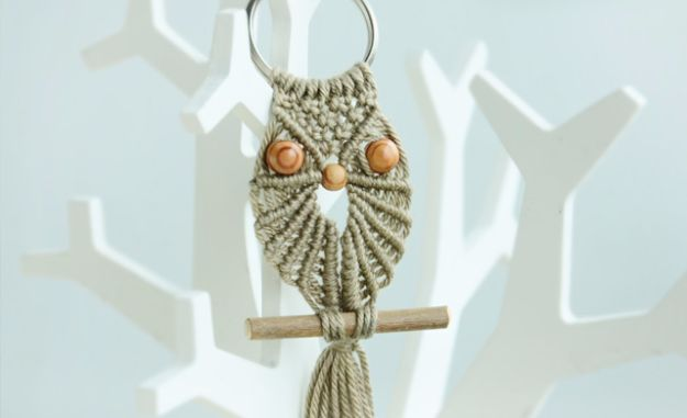 Macrame Crafts - Cute Macrame Owl - DIY Ideas and Easy Macrame Projects for Home Decor, Gifts and Wall Art - Cool Bracelets, Plant Holders, Beautiful Dream Catchers, Things To Make and Sell on Etsy, How To Make Knots for Your Macrame Craft Projects, Fun Ideas Even Kids and Teens Can Make #macrame #crafts #diyideas