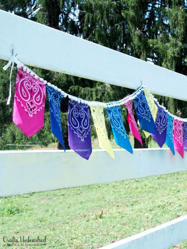 DIY Ideas With Bandanas - DIY Bandana Bunting - Bandana Crafts and Decor Projects Made With A Bandana - No Sew Ideas, Bags, Bracelets, Hats, Halter Tops, Blankets and Quilts, Headbands, Simple Craft Project Tutorials for Kids and Teens - Home Decoration and Country Themed Crafts To Make and Sell On Etsy #crafts #country #diy